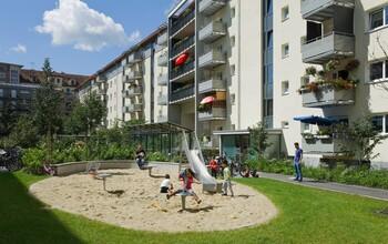 Spielplatz im Innenhof der GWG-Wohnanlage Lilienhof